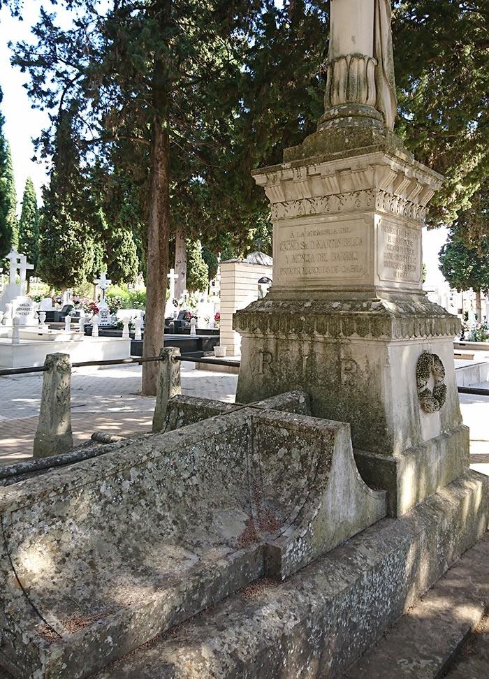 visita-guiada-cementerio-cabra-we-love-montilla-moriles