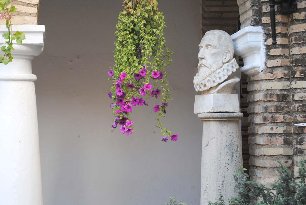 busto cervantes-we-love-montilla-moriles